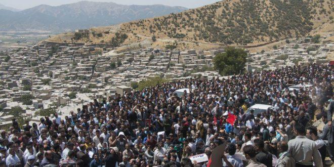 مراسم تشییع شهیدان چیا به روایت تصویر